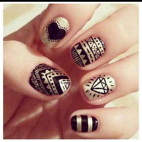 Black and gold #nails <3