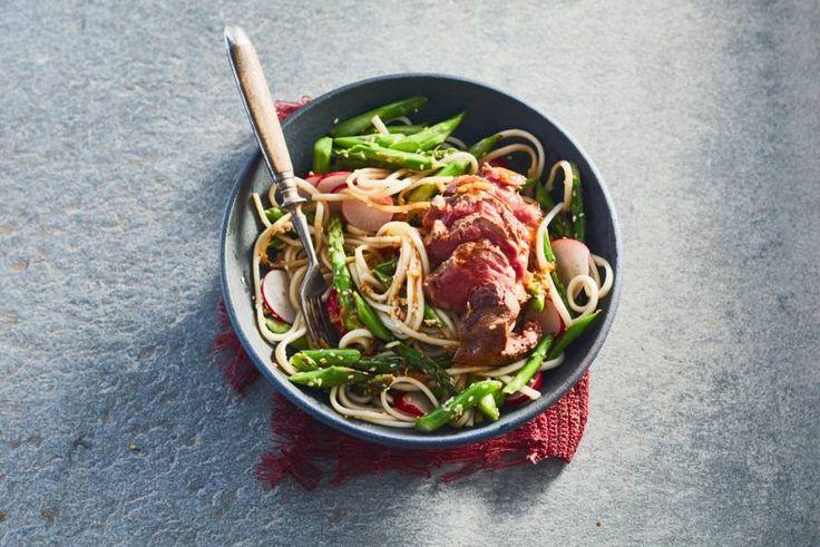 Rundvlees wordt ook in Azië veel gegeten. Vooral als gemarineerde plakjes of reepjes, die erg goed combineren met noedels of rijst.- Recept - Allerhande