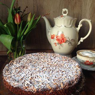 Glutenfreier Zitronen Mandel Kuchen - heute auf meinem Blog www.kartoffelwerkstatt.de #kartoffelwerkstatt #glutenfrei #kaffeeklatsch #kaffepause #kaffee