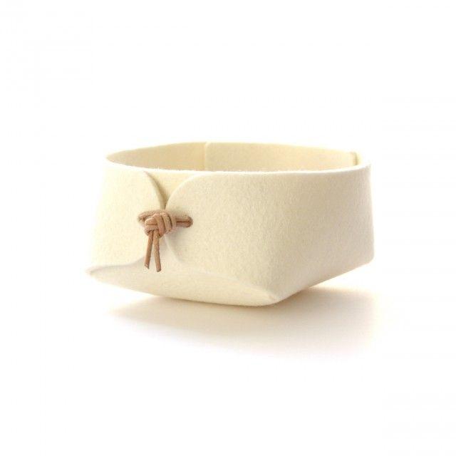 String small vit - Förvaringskorg med lädersnören