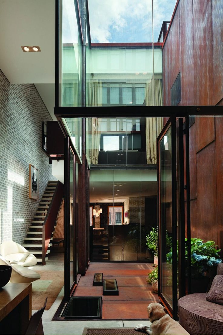 Inverted Warehouse/Townhouse by Dean/Wolf Architects ©Paul Warchol