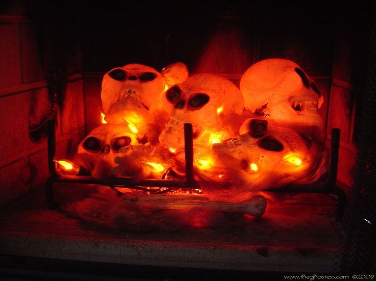 String Lights For Fireplace : Best 25+ Halloween fireplace ideas on Pinterest Classy halloween decorations, Spooky halloween ...