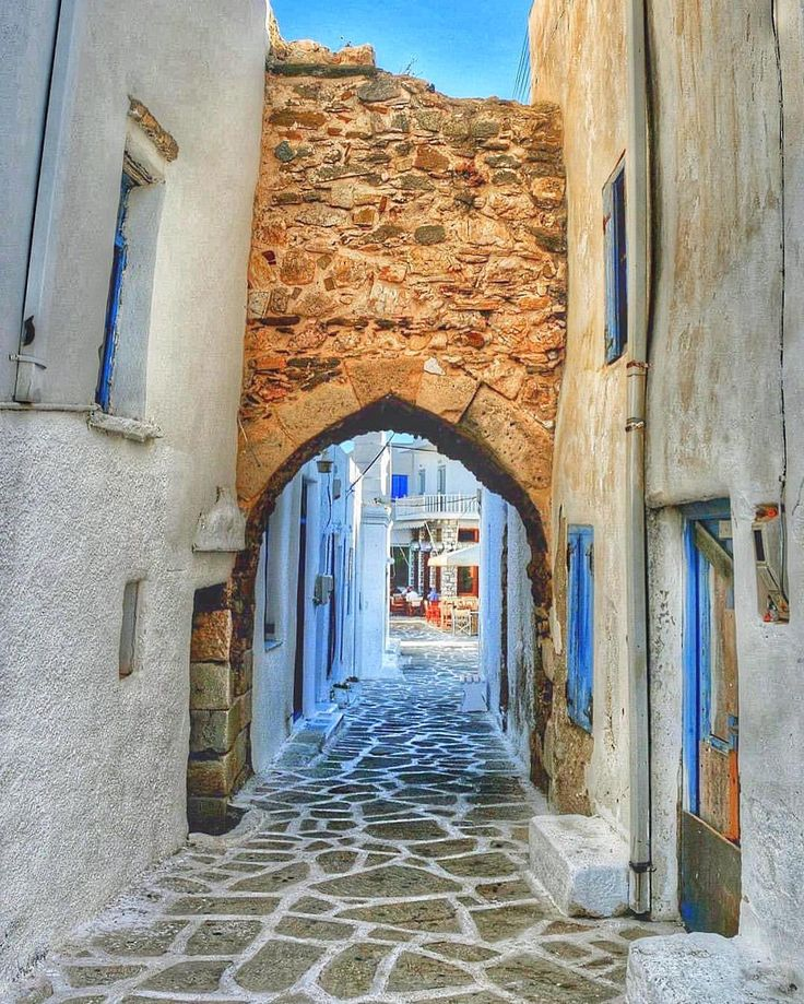 Stunning alley in Antiparos island (Αντίπαρος)