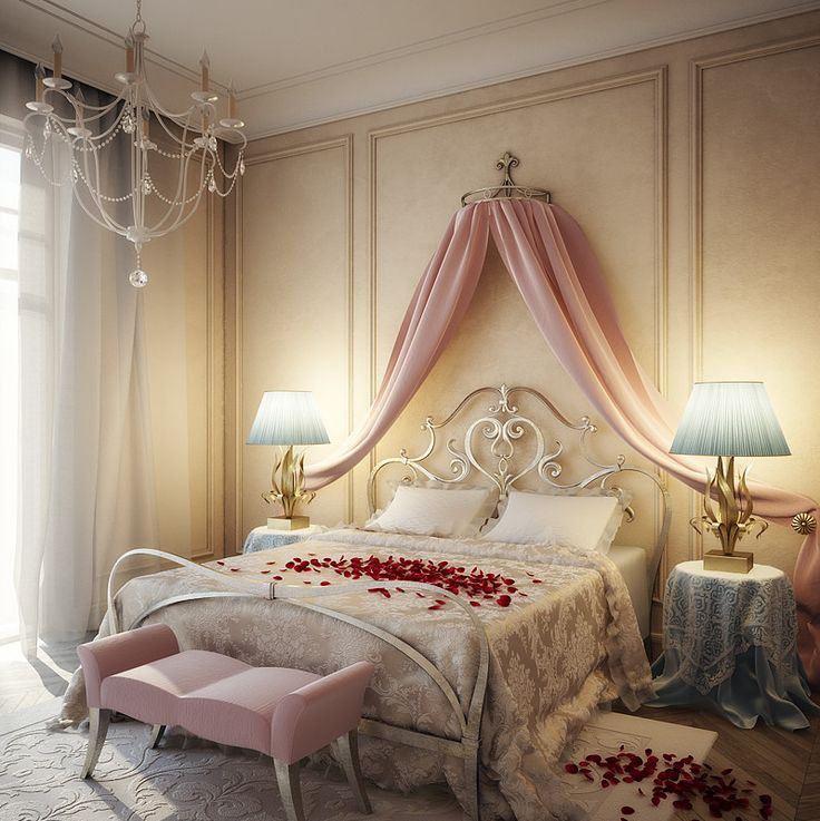Romantisches schlafzimmer mit weißem kronleuchter