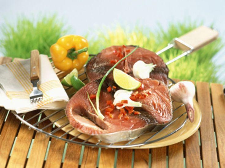 Découvrez la recette Thon grillé au barbecue sur cuisineactuelle.fr.