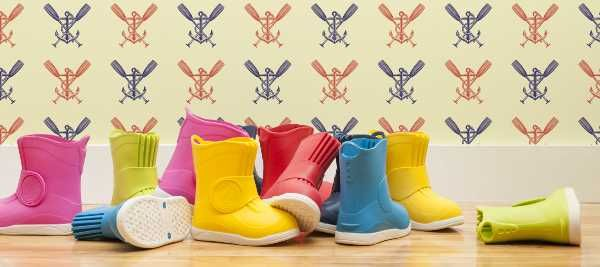 Gumboots – the greatest children's footwear ever, right? But not always the most appropriate footwear for every occasion. So here's a gumboot of sorts – a boot that fits over children's regular shoes – so their little feet can remain dry, and their style intact.