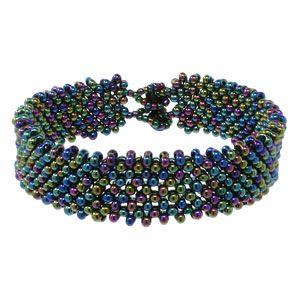 Night in Alaska Bracelet from Fusion Beads Inspiration Gallery - free PDF instructions. Easy. #Seed #Bead #Tutorials | Pulseras - Bracelets | Pinterest | Fusi…