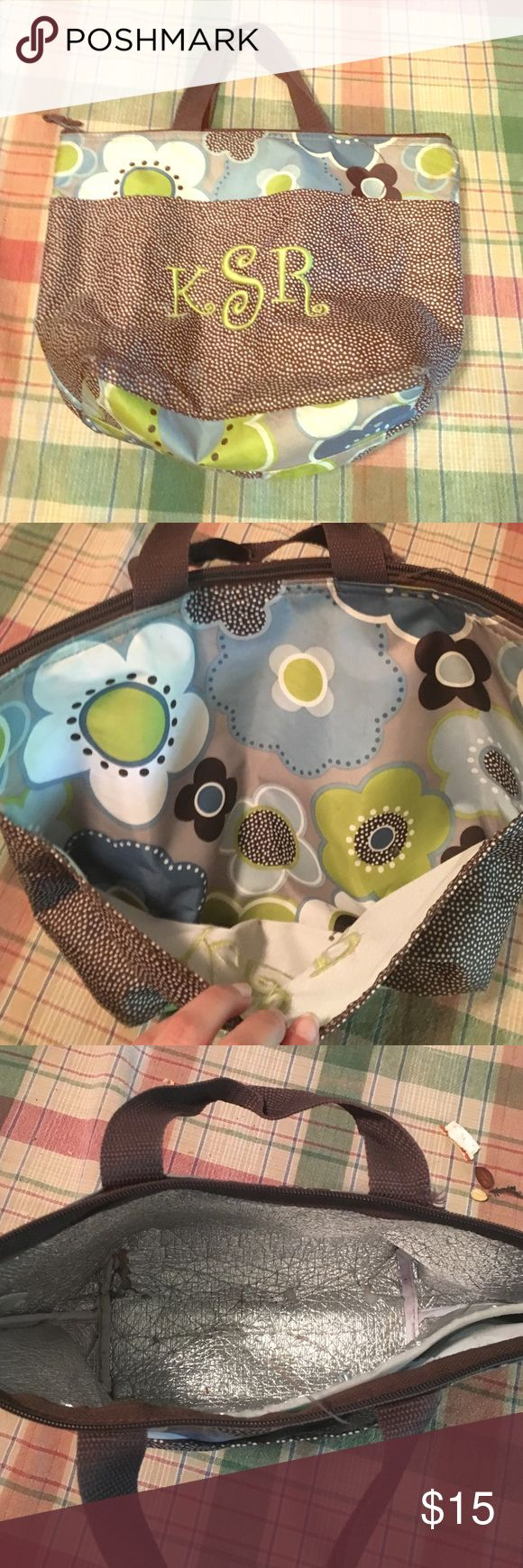 Thirty One lunch bag Used for 1 year and still in good condition! Brown w/ a flower pattern. Keeps your lunch cold and in a cute designed bag. Thirty One  Bags