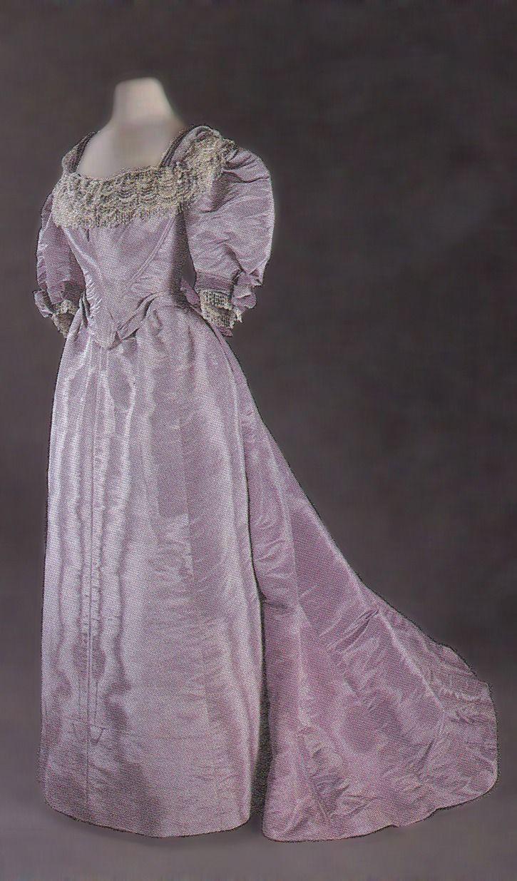 1896 Princess of Wales Alexandra's dress (Museum of Costume - Bath, Somerset UK)