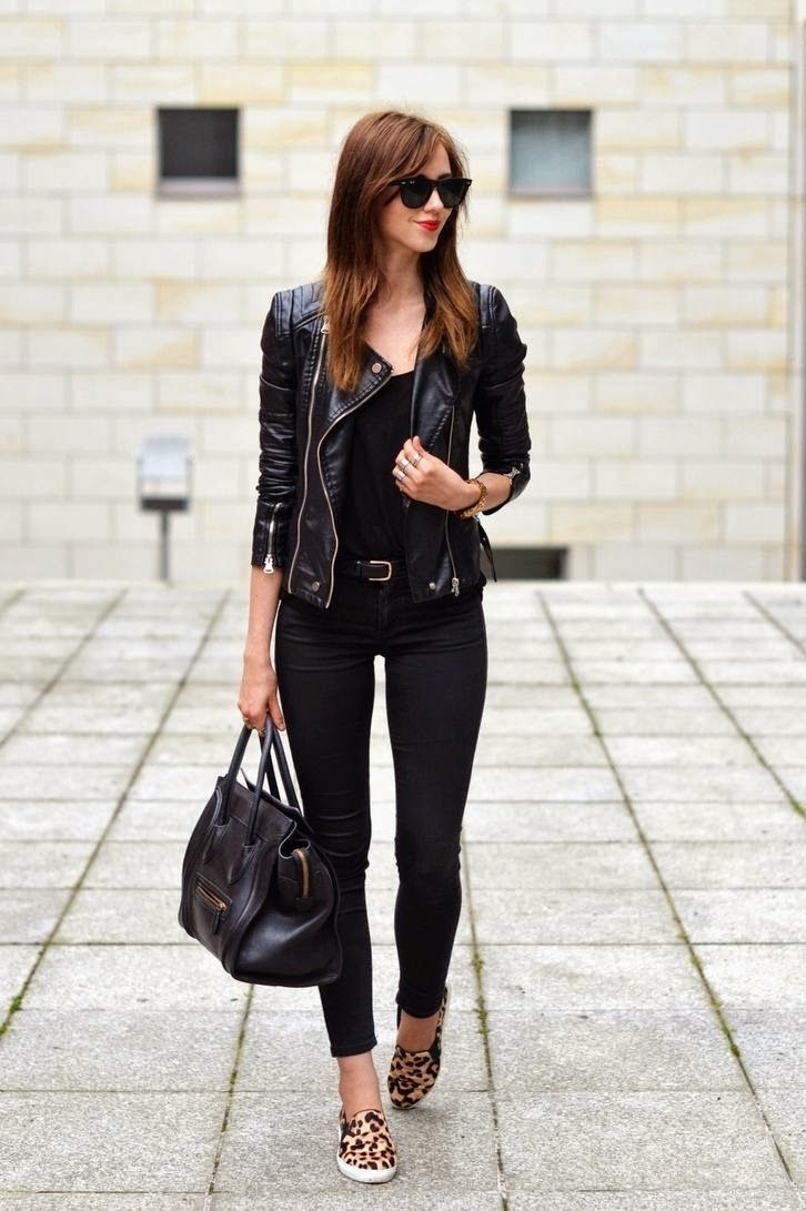 Classy all black fall outfit. | Fall Fashion