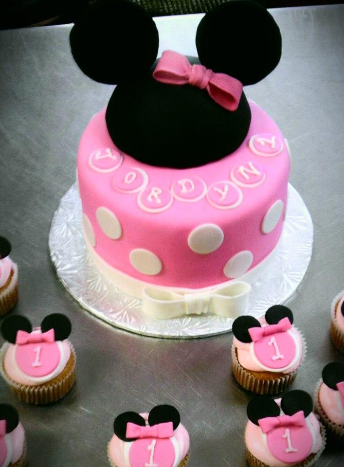 Minnie Mouse Birthday Cake and Cupcakes by Cake Hag http://www.cakehag.com/