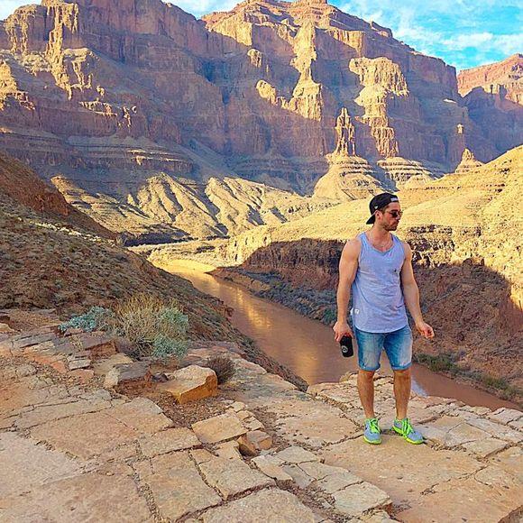 Joey Scarpellino découvre le Grand Canyon et c'est BEAU!   HollywoodPQ.com