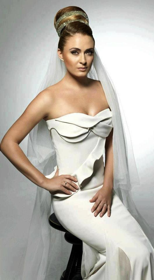 Turkish Actress, Ceyda Düvenci - #Fashion #BrideStyle