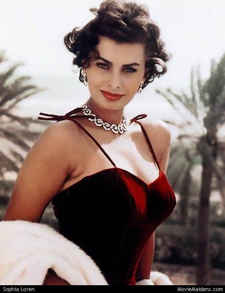 Sophia Loren - 1950s actress ... when she was young - MovieMaidens.com