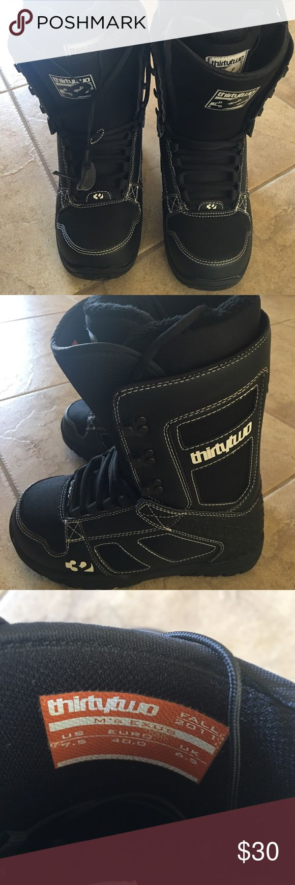 Men's Thirtytwo Snowboard Boots Great condition . Used one day for a couple hours . Shoes Rain & Snow Boots