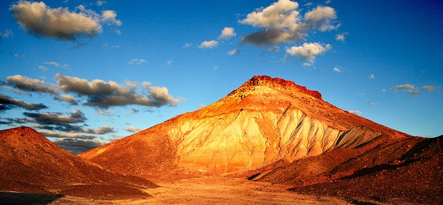 Breakaways - Coober Pedy by Georgie Sharp, via Flickr