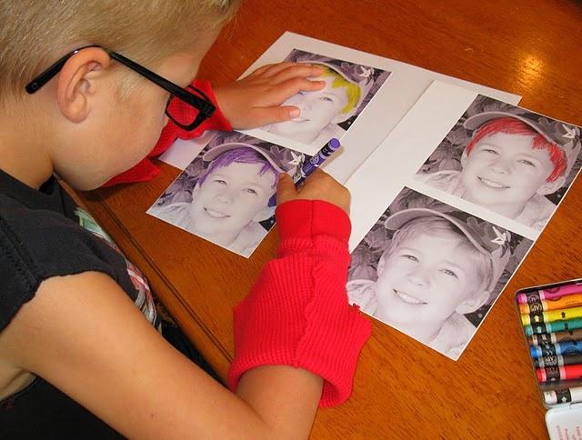 """Ook leuk voor Moederdag en Vaderdag: schilder (een foto van) jezelf vier keer, zoals Andy Warhol ( wat een idee trouwens die """"verfmouwen""""!"""