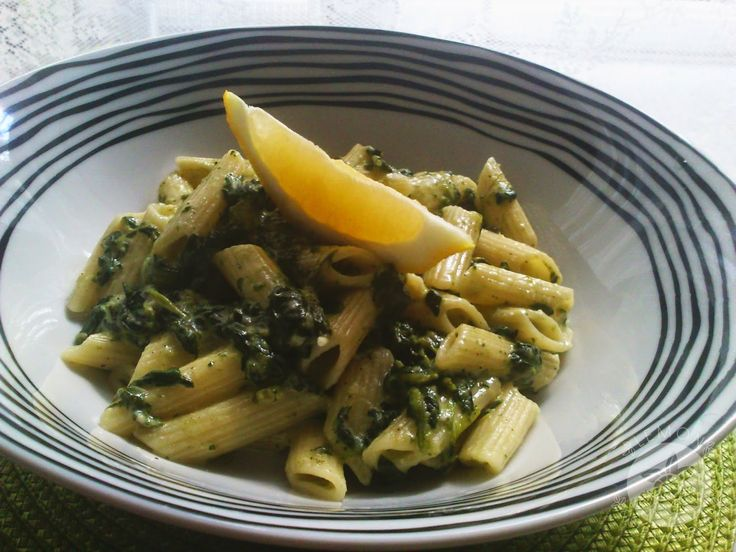 Lemon and Strawberries: Spinach & feta penne