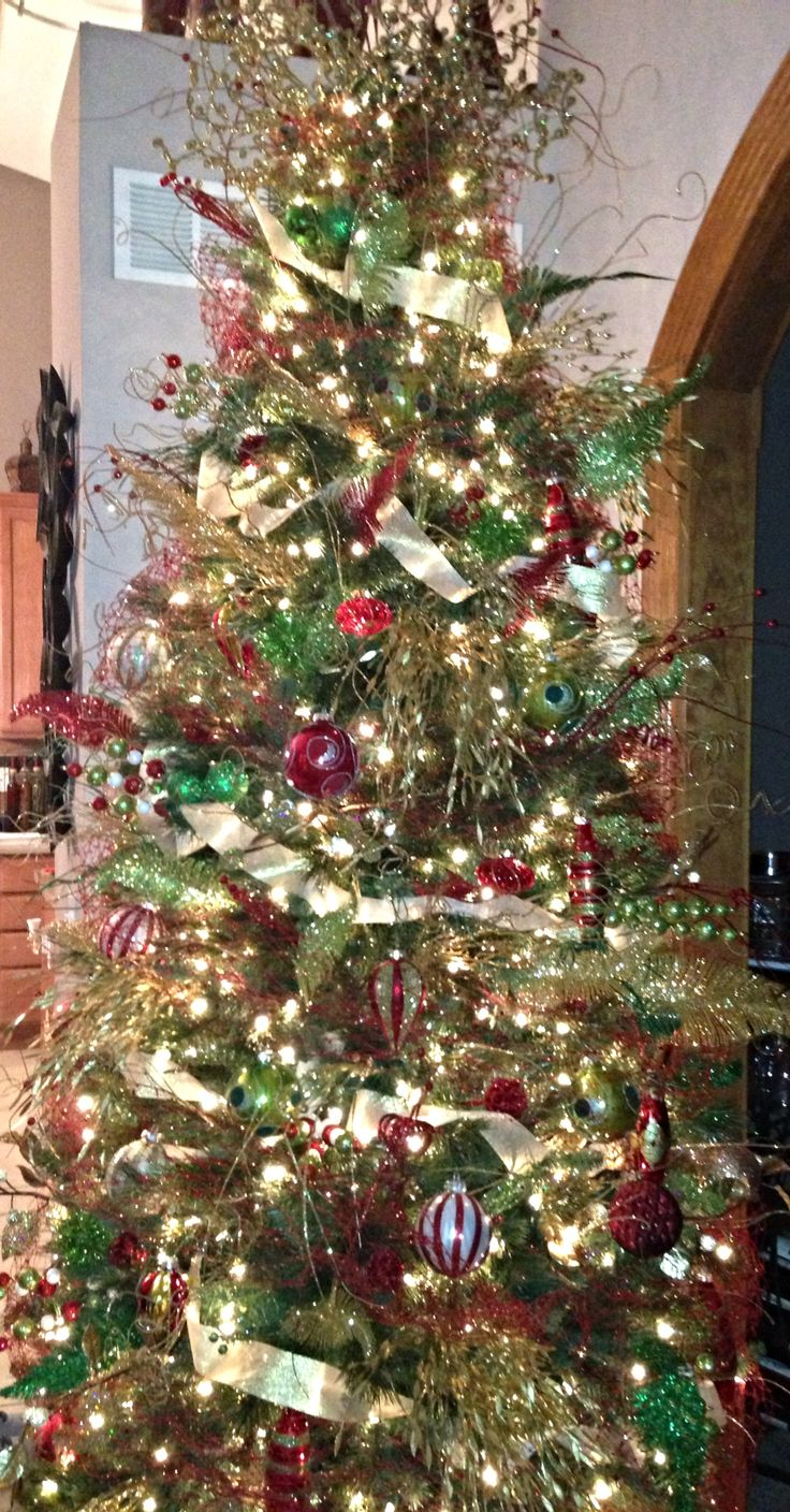 Red and gold christmas tree decorating ideas - Elegant Gold Red And Green Christmas Tree