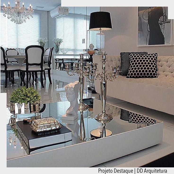 Amamos a escolha da mesa de centro com espelhopois  valoriza os adornos e enobrece o ambiente. Inspiração do ig @homeluxo . Ad Pinterest/ arqdecoracao @arquiteturadecoracao @acstudio.arquitetura #arquiteturadecoracao #olioliteam #instagrambrasil #decor #arquitetura #grudodecordigital #adsala #sala #p&b #espelho