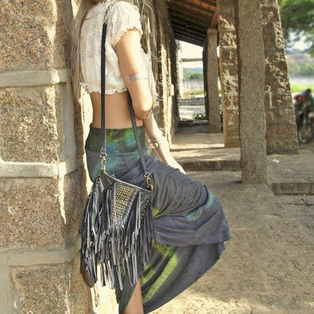 TIJUANA handmade leather shoulder bag #mahila #leather #handmade #boho #bohemian #bohoinspiration #genuine #bag www.mahilacouro.com.br