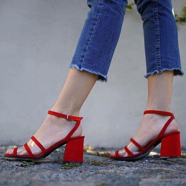 04d87b6c813 El rojo es unos de los colores de la temporada en en la nueva coleccion de  calzados verano 2019 de Magali Shoes encontraras varios diseños en e…