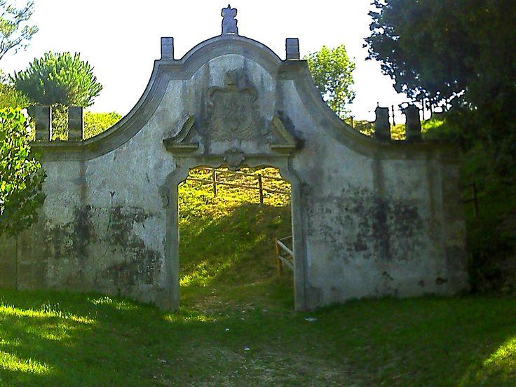 As Portas da Maia - Vila do Conde, junto à Ponte do Ave ou Ponte D. Zameiro.