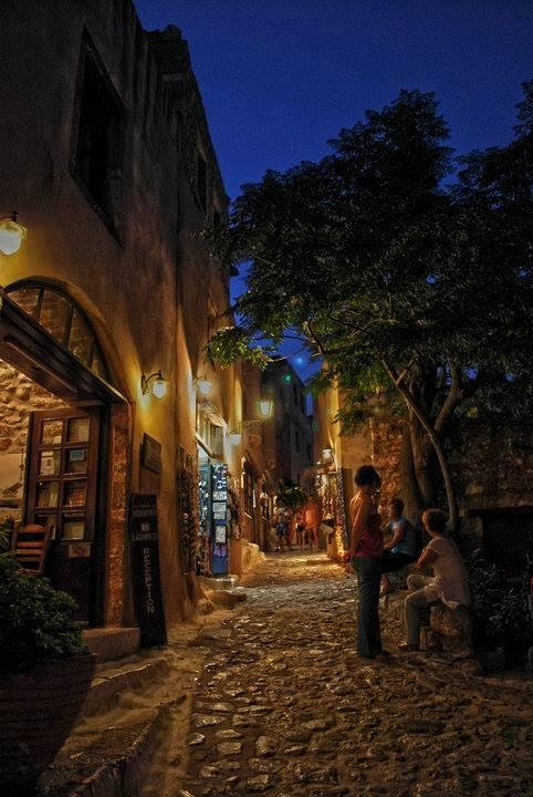 Monemvasia Medieval   /  A picturesque and quiet stone-paved alley in the medieval town of Monemvasia