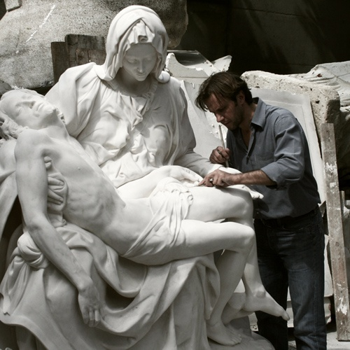 Master Andrea Felice working on the Resin Cast of the Pietà by Michelangelo, 2010