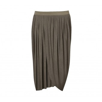 Our pull-on drape jersey skirt is a breeze to style. With draped wrap panels and beautifully finished elastic waist, the asymmetric design is all about urban luxe. Average length from top at front 52cm and at back 67cm.