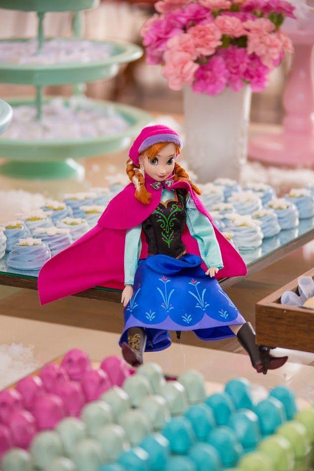 Essa foi minha primeira (e única até então, mas já com outra prevista para março deste ano) Festa Frozen. Em dezembro de 2014 a pequena...