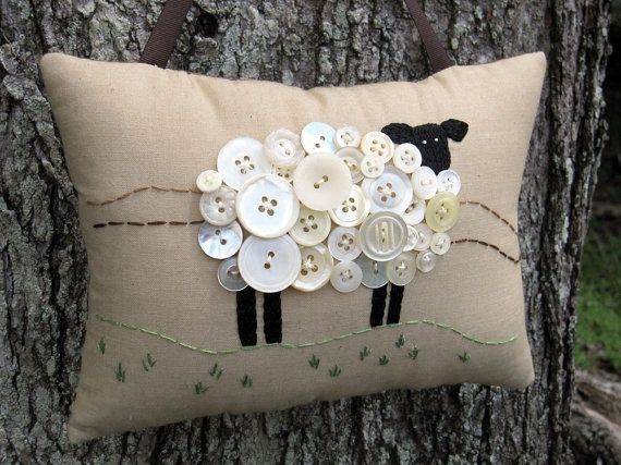 sheep felt | cute sheep and button pillow. | burlap, buttons, felt, lace,needl...