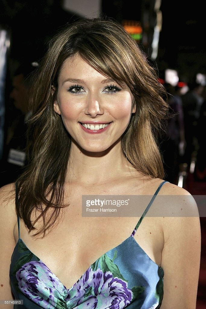 Actress Jewel Staite arrives at the Universal Pictures' Premiere of 'Serenity' held at Universal Studios on September 22, 2005 in Los Angeles, California.