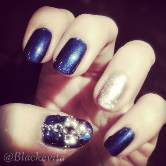 Nails_Blue Bling