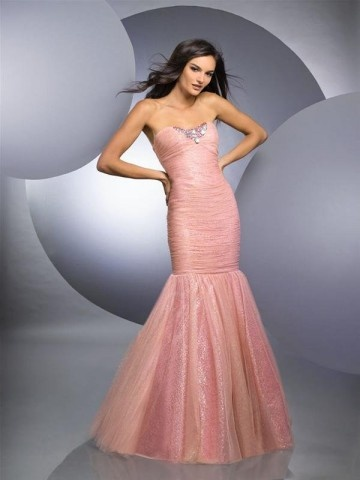 this looks like my senior prom dress...with significantly less beading.