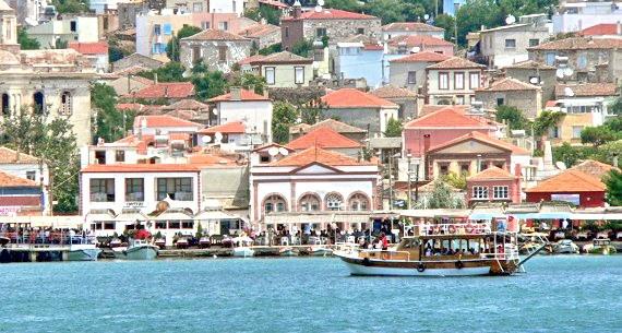 CUNDA ISLAND -   Cunda Island, also called Alibey Island, (Turkish: Cunda Adası, Alibey Adası; Greek: Εκατόνησα Hekatonisa or Μοσχονήσι/Moshonisi) is a small island in the northwestern Aegean Sea off the coast of Ayvalık, part of Balıkesir Province of Turkey.