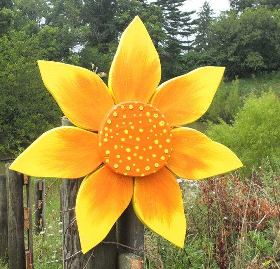 Reclaimed Barn Wood Outdoor Flower Wreath Rustic Home & Garden Decor - Autumn gift for gardener- Fall outdoor home accent