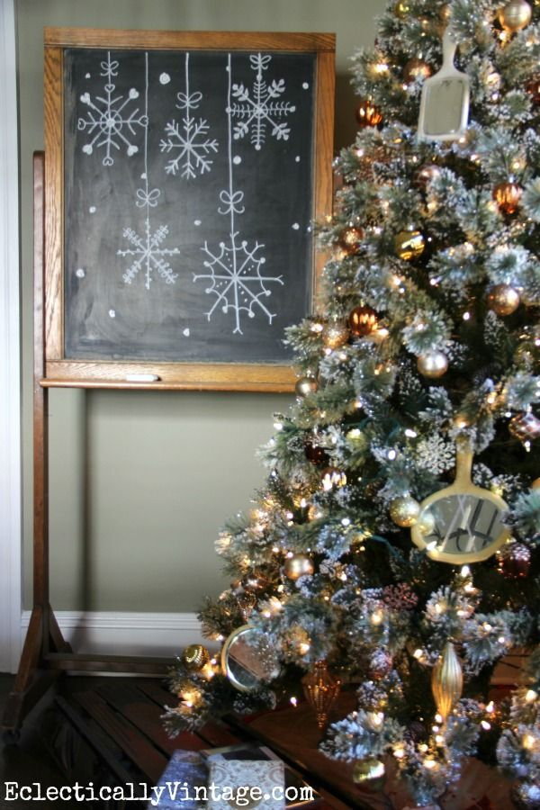 One of the most realistic artificial Christmas tree with lights I've seen eclecticallyvintage.com