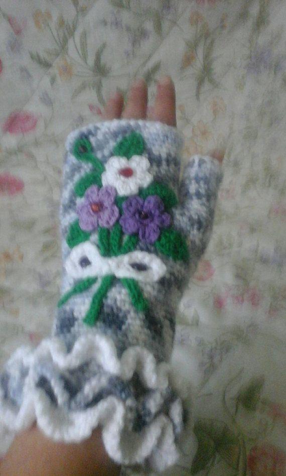 Hey, I found this really awesome Etsy listing at https://www.etsy.com/listing/469857962/glovesfingerless-glovesboho-gloves