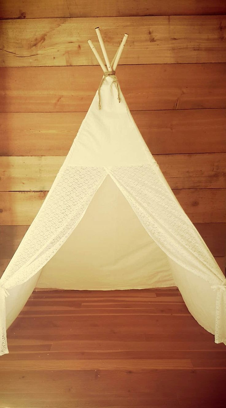 Gypsy. 100% cotton muslin teepee with ivory lace doors
