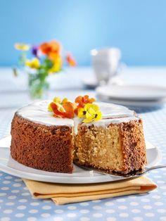 Sahnejoghurt macht diesen Rührkuchen so saftig und frisch! #Kuchen #Sandkuchen #Griechischer #Joghurt #Rezept #Backen
