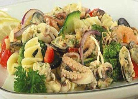 Рецепт салат из морепродуктов коктейль морепродуктов