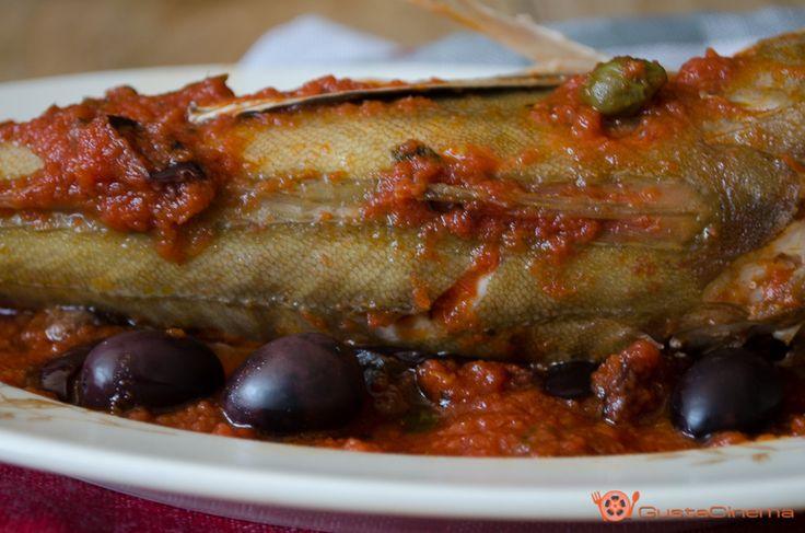 Gallinelle alla pizzaiola con olive e capperi un secondo di pesce gustoso e facile da preparare. Ideale per il pranzo di Natale.