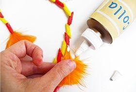 La collana del capo tribù con la pasta Piccolini da creare con i bambini. Trovate le istruzioni qui: http://www.piccolini.it/piccolini-time/#avventura/gli-indiani/