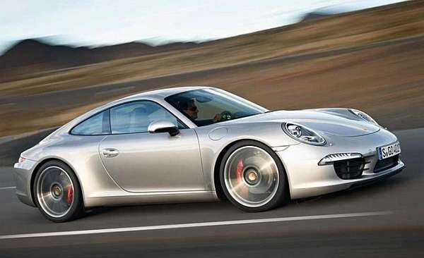 2016 Porsche 911 Carrera. The newer the uglier. Lost its aggressive style. Now it looks like a run of the mill car. Long live the classics.