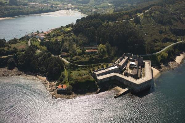 Castillo de La Palma Found in an area near Cervás called Montefaro Walked to this castle many times as a kid