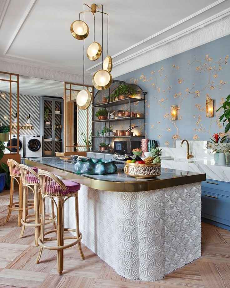 Get started on liberating your interior design by adding wallpapers to your kitchen. NY | SF | CHI | DC | BOS | LDN | Décor Aid |