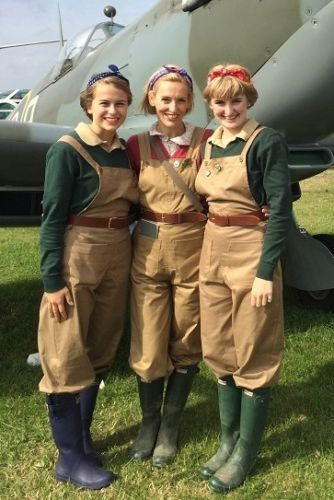 Womens-Land-Army-dungarees-WLA-Land-Girls-Home-front-WW2-1940s