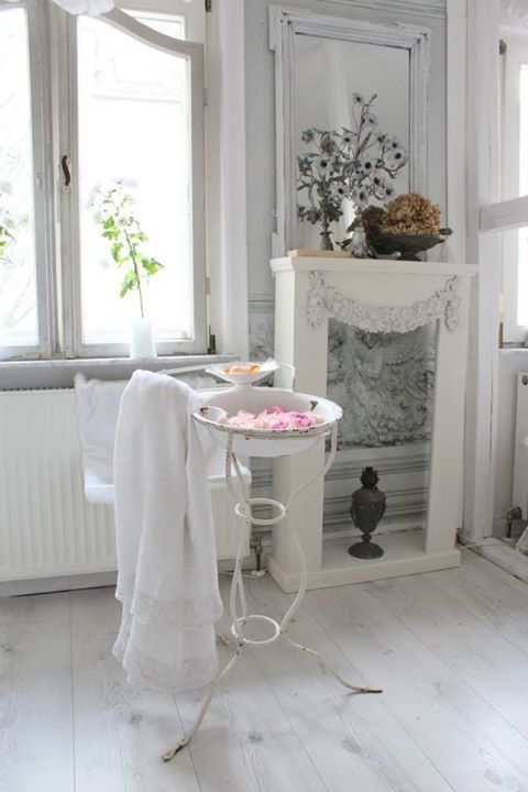 17 best images about shabby chic fireplaces on pinterest - Manteles shabby chic ...