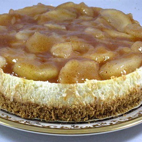 Combining my two faves, apple pie and cheesecake!! Will definitely be trying this! Winter Apple Cheesecake